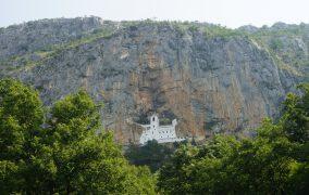 Ostrog vienuolynas kalnuose