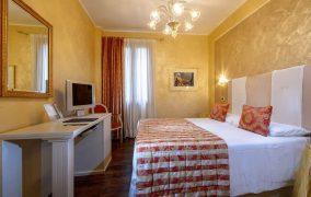 kambarys 8