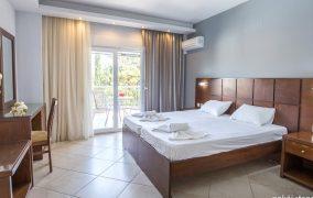 Green Bay Tasos hotel