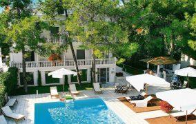 Kazaviti viešbutis Tasos sala