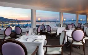 Radisson Blu 1835 Hotel & Thalasso **** 7