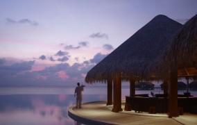 Dusit Thani Maldives ***** 3