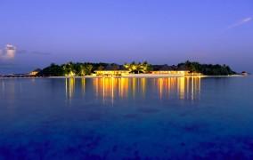 Dusit Thani Maldives ***** 8