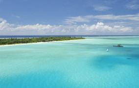 Holiday Island **** 3