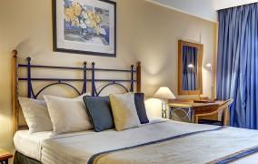 Marina Corinthia Beach Hotel **** 16