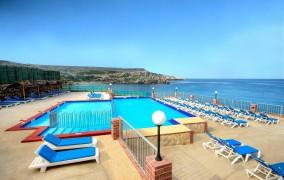 Paradise Bay **** 6