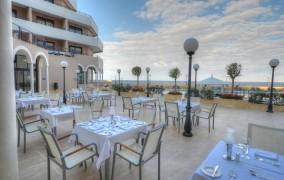 Radisson Blu Resort ***** 2