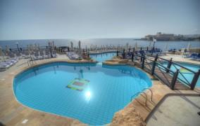 Radisson Blu Resort ***** 8