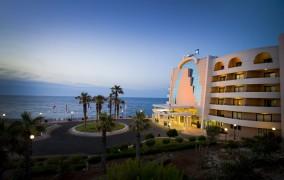Radisson Blu Resort ***** 9