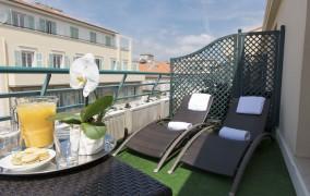 Nice Riviera **** 1
