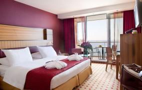 Radisson Blu Hotel Nice **** 5